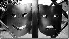 happy-and-sad-masks